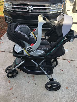 BabyTrend Stroller & Car seat combo w/ Base for Sale in Fort Myers, FL