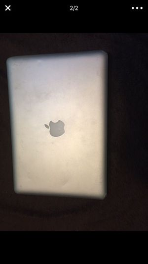 2010 MacBook 13in(Not working) for Sale in Columbus, OH