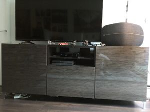 BEAUTIFUL TV UNIT PLACE (push-to-open drawers, shelves and slider) for Sale in Chicago, IL