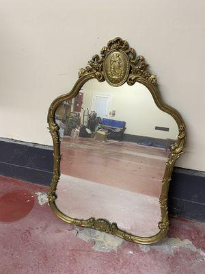 Antique Gold frame mirror for Sale in Wayne, NJ