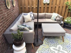 Patio Sectional with ottoman, grey for Sale in Alexandria, VA