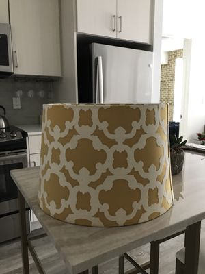 Lamp Shade good as new! for Sale in Los Angeles, CA