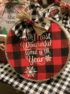 Cute Christmas garland decor for Sale in Azusa, CA