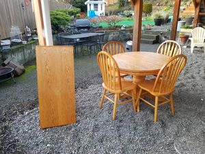 Solid oak table w/leaf...4chairs for Sale in Seattle, WA
