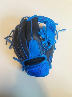 Baseball softball gloves for Sale in South Gate, CA