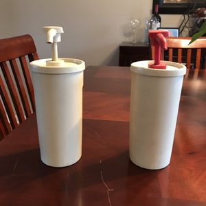 Tupperware Ketchup and Mayo Dispenser for Sale in Emerson, NJ