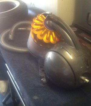 Dyson vacum for Sale in Pittsburg, CA