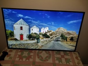50 in LG LED TV W WALL MOUNT ( NO BASE ) for Sale in Arlington, TX