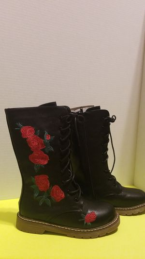 Girls boots size 1 for Sale in Palmview, TX
