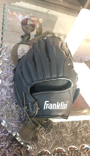 "Baseball glove size 11"" inches for Sale in Sunrise, FL"