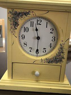 Clock 🕰 for Sale in Sterling,  VA