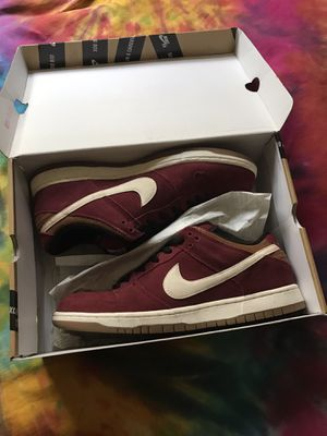 Nike SB dunk low (team red corduroy) SIZE 11 for Sale in San Jose, CA