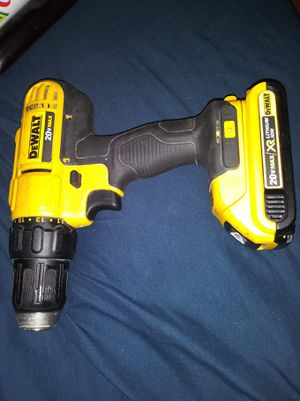 Dewalt drill dcd771 dewalt and batery for Sale in Oakland, CA