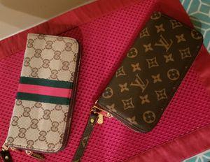 Gucci & LV Wristlets for Sale in Atlanta, GA