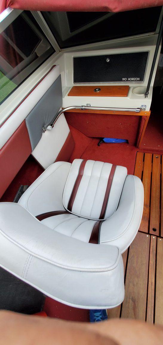 1987 19.5 four Winns inboard
