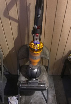 Dyson dc 40. Great condition refurbished. Great vacuum great sale price. NEW WORLD 🌎 VACUUMS LAKEWOOD for Sale in Fircrest, WA