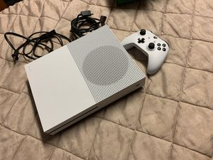 Xbox one S 1TB of space with controller for Sale in San Diego, CA