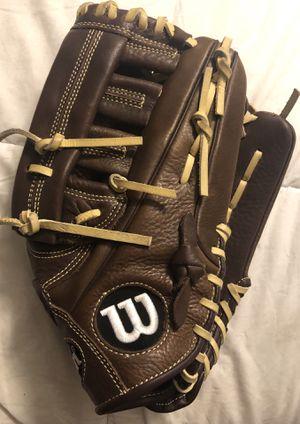Wilson Baseball Glove for Sale in Hacienda Heights, CA