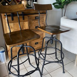 2 Barstool for Sale in San Diego, CA