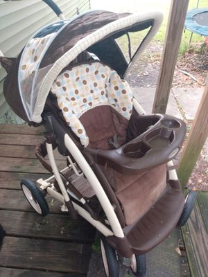 Graco car seat stroller for Sale in Prairieville, LA