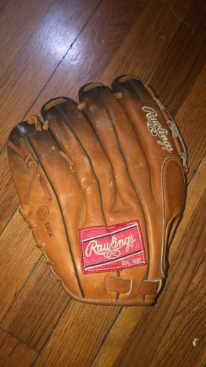 Rawling men's baseball glove for Sale in Quincy, MA