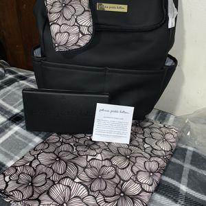 Petunia Pickle Bottom- Diaper bag for Sale in Minneapolis, MN