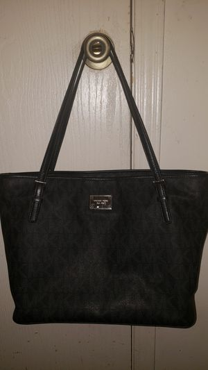 Michael Kors tote/shoulder bag for Sale in Benton, AR