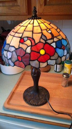 Tiffany style lamp for Sale in Johnstown, OH