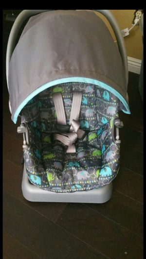 Cosco car seat and stroller in excellent condition only used twice. for Sale in Hemet, CA