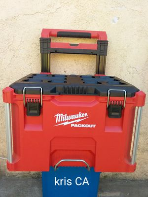 Milwaukee pack out rolling tool box for Sale in Industry, CA