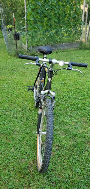 ZX6000 TREK MOUNTAIN BIKE for Sale in Chagrin Falls, OH