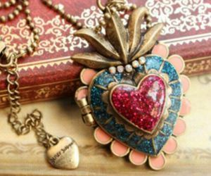 Retro Betsey Johnson Victorian bronze Heart Locket * with marble finish of blue and red hard to find style **Free ship Gift Boxed for Sale in Northfield, OH