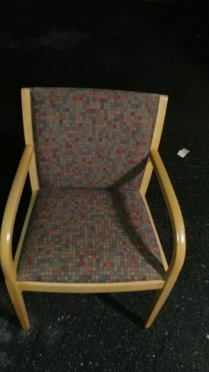 (195 )PIECES OF DOCTOR'S LOBBY OFFICE CHAIRS($8.00 EACH) for Sale in Raleigh, NC