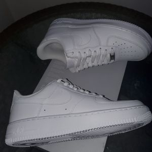 NIKE AIR FORCE 1 BOYS SHOES NEW for Sale in Orange, CA