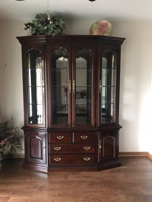 Thomasville China Cabinet for Sale in Orland Park, IL
