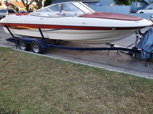 2001 BAYLINER CAPRI 22 FOOTER 5.0 V8 MERCRUISER WATER READY BOAT IS LIKE NEW!!! for Sale in Long Beach, CA