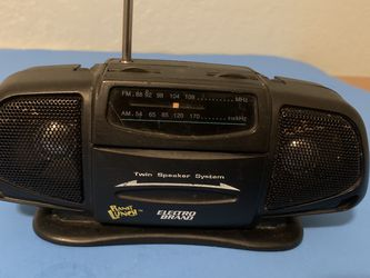 """The radio works well in good condition.L-71/2 """"W-31/2"""" for Sale in Vancouver,  WA"""