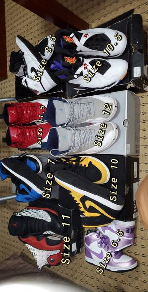 Jordan lot shoes Nike for Sale in Orland Park, IL