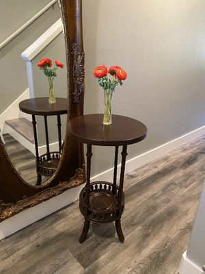 """Antique table 19"""" radius, 31"""" high, cherry color for Sale in Vancouver, WA"""