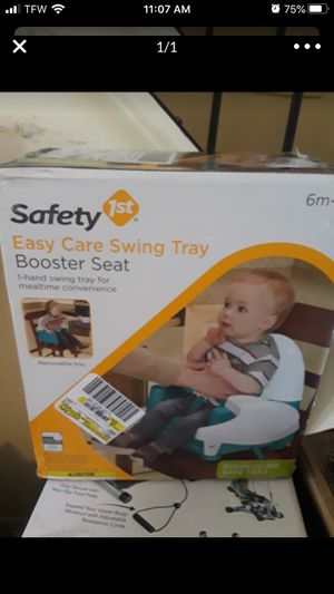 Swing tray booster seat for Sale in East Hartford, CT
