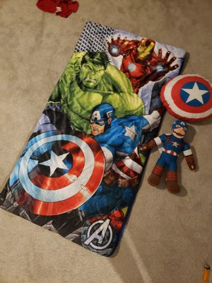 Marvel superhero set (sleeping bag, stuffed captain america, shield pillow and small bag) for Sale in Phoenix, AZ
