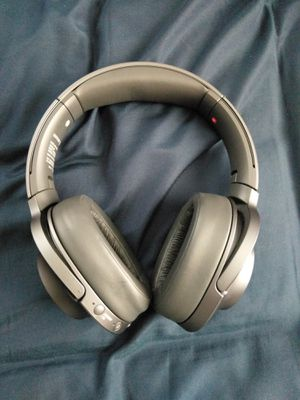 Sony (wh-900n)noise cancelling headphones for Sale in Homestead, FL