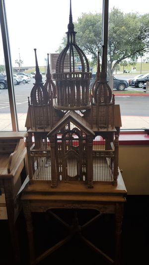 Beautiful outdoor bird house for Sale in Victoria, TX