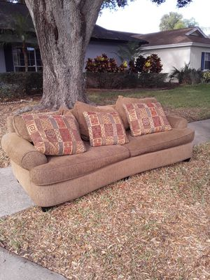 Free couch and loveseat for Sale in Tarpon Springs, FL