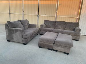 Set couches for Sale in Fresno, CA