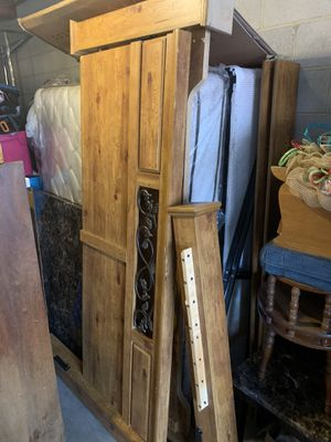King bedroom set for Sale in Raleigh, NC