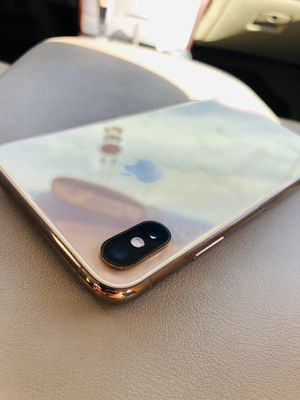Iphone xs max like new factory Unlocked for Sale in Buena Park, CA