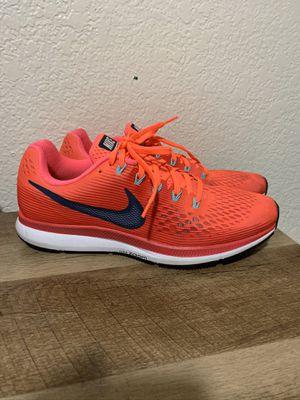 Women's Nike Zoom Pegasus 34 (Size 11) for Sale in Fresno, CA