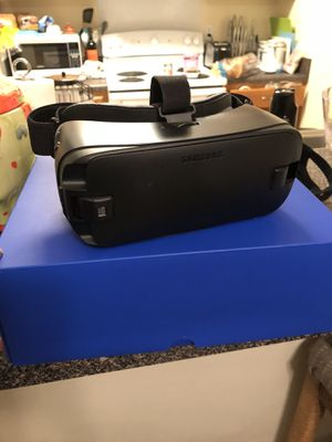 Samsung gear VR headset for Sale in Durham, NC