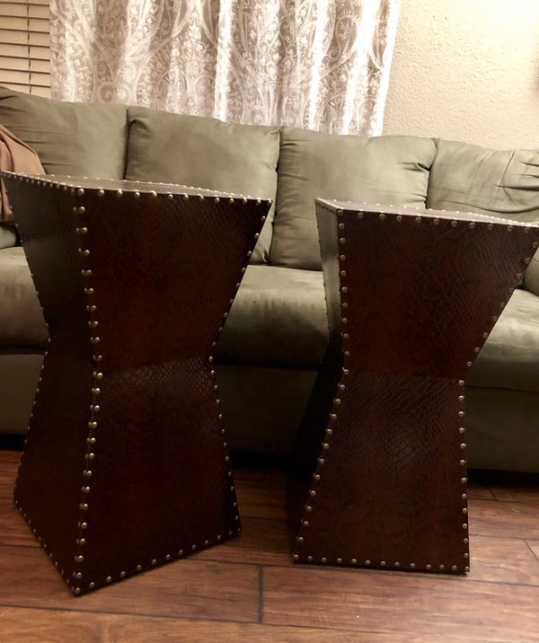 New Warrington Faux Leather accent table Set (2)